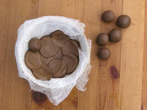 Как сделать шар из глины